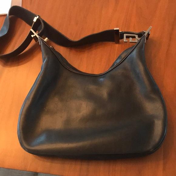 e6ad8e1b11d2 Gucci Bags   Vintage Leather Shoulder Bag   Poshmark